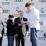 Los jugadores del Real Madrid de basket reciben sus Audi para esta temporada